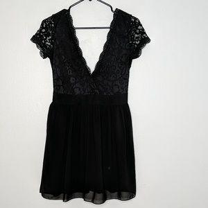🌵Lace v neck dress